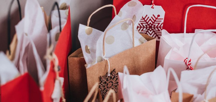 Top 5 Tips to Save Money During this Year's Holiday Season